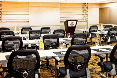 bosbo-conference-room-0081-hor-clsc.jpg
